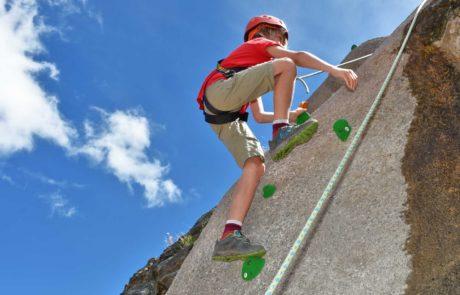 Sicheres Klettern für Kinder